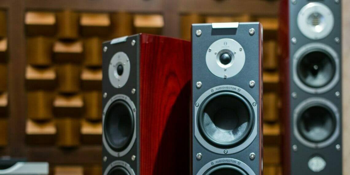 tower speakers under 10000